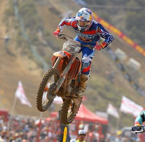 Sometimes, all you need to do is lead one lap. Congrats @RyanDungey #glenhelen p/c: @racerxonline http://t.co/rrlYjOxaNy