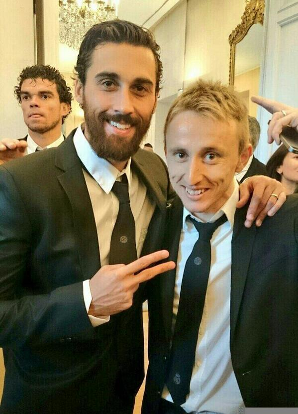 WTF! Real Madrids Luka Modric has a serious haircut! Long flowing hair gone! [Pictures]