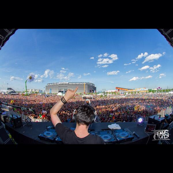 thank you EDC NEW YORK!!!!!! WOW!!!!! #edcny #rave http://t.co/c9vAW9FKSa