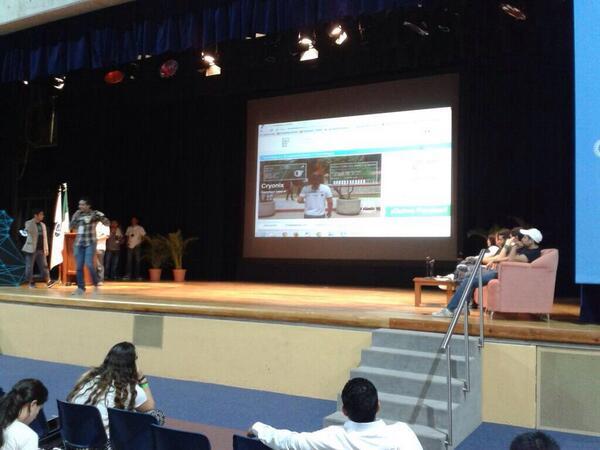 @cryonix_mx  ganador del primer #SWMEGA, un juego a base de wearebles ¡Felicidades! http://t.co/9kODxsXhzI