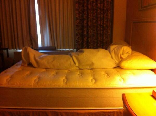 How to leave your sheets when departing from a hotel room~ http://t.co/odQhgLfDml