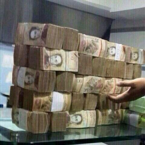Buenas me vende medio pasaje para Bogota por favor http://t.co/pPJqndKupk