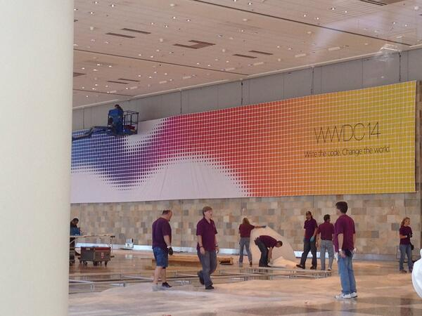 @MacRumors banner up inside Moscone West; scaffold preparing outside. http://t.co/KYWXRYWyqd