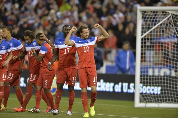 #USMNT @MixDiskerud and teammates celebrating the goal! http://t.co/cVcCfqAexR