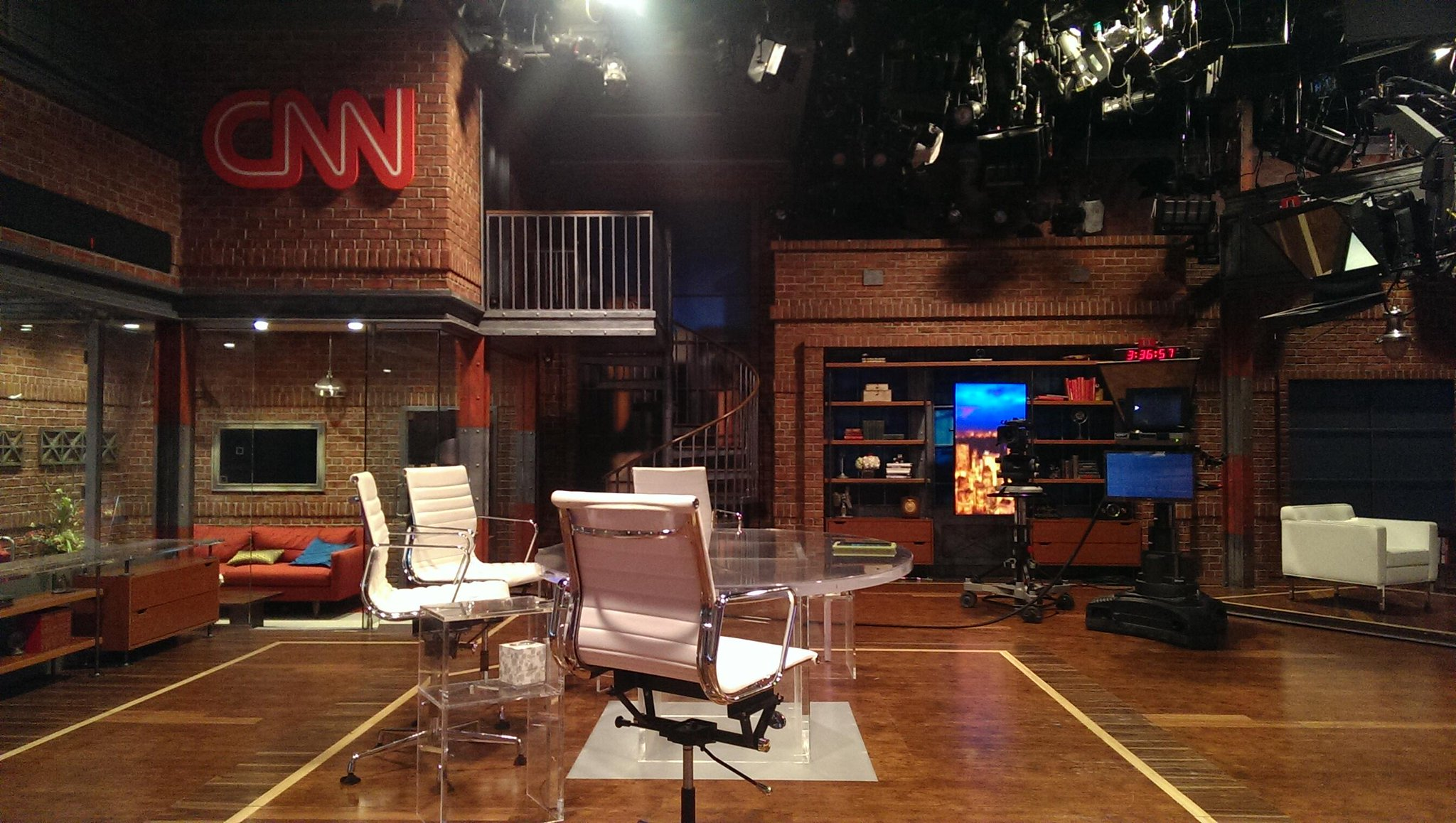 Twitter / ChrisCuomo: Happy #NewDay from @CNN in ...