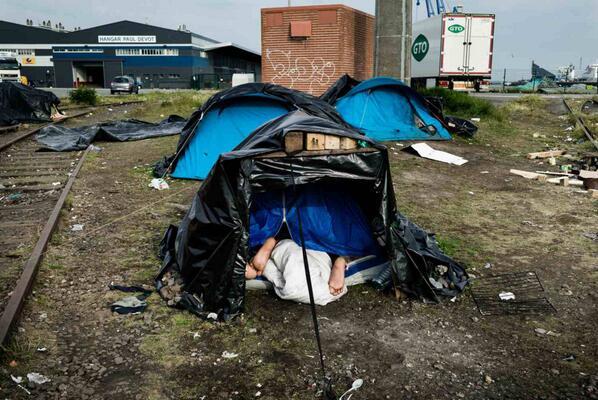 [communiqué] non à la maltraitance institutionnelle #calais #migrants http://t.co/0Vra9VJIYt http://t.co/1z6HDKMmzD