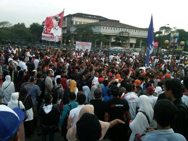 Massa yang hadir di deklarasi pemenangan Prabowo-Hatta