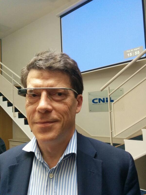 """.@dr_l_alexandre """"capté"""" avec des Google Glass lors la matinée #corpscapte à la @CNIL http://t.co/blN2SwEJsy"""