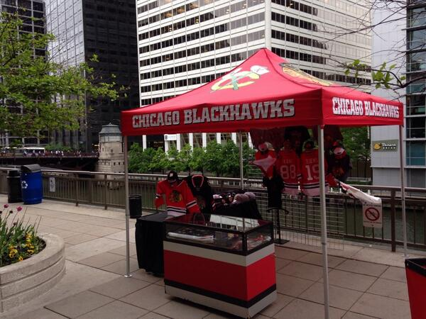 Chicago Blackhawks on Twitter  Our retail tent is set up outside the station at Jackson and the river just east of Canal St. //t.co/vKl87Tqchs  & Chicago Blackhawks on Twitter: