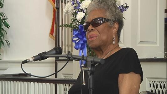 ::Bowing head:: RT @TWCNewsCLT BREAKING NEWS: Poet and author Maya Angelou dies at age 86. http://t.co/3N2lzggXso  http://t.co/pmmycJK74R