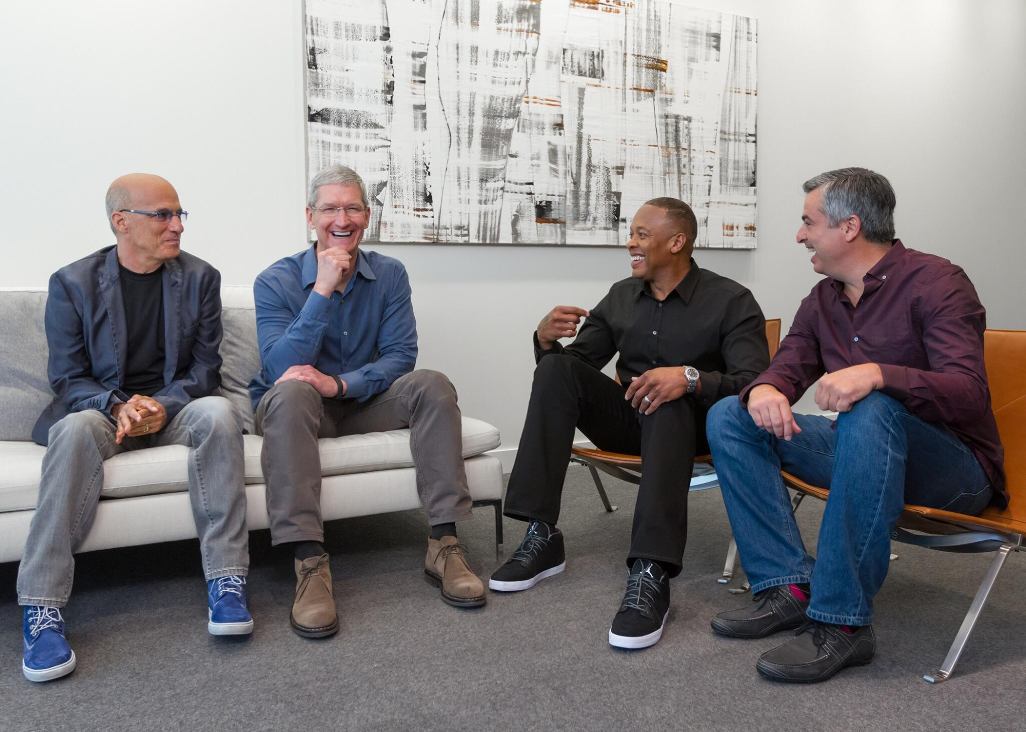 Twitter / tim_cook: Sharing a laugh with Jimmy, ...