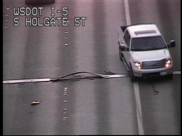 Yikes! This is why we're replacing expansion joints. SB 5 just south of I-90 in left general purpose. http://t.co/KNNBH99IXE