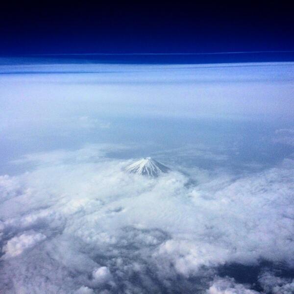 岩見へ。空から富士山。 http://t.co/V86axghkXf