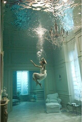 serg antongiorgi on twitter itweetfacts a swimming pool thats decorated like a room underneath so crazy cool httptcono3zpigfie or just a