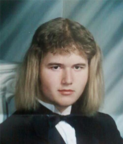 """Extrêmement Viktor W on Twitter: """"les #coiffures les plus #MOCHES  YG76"""