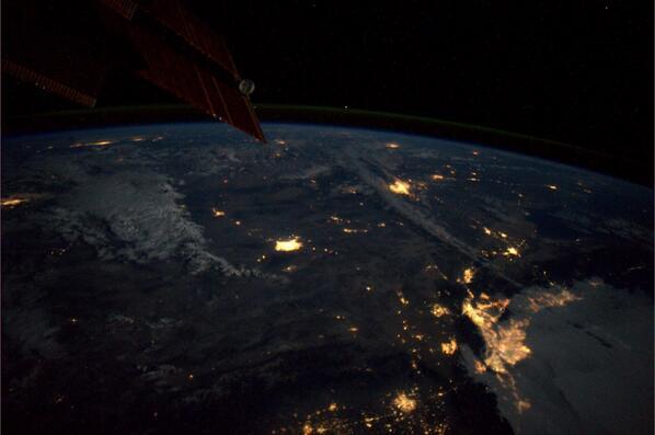 Slike Zemlje iz svemira  - Page 3 Bp2e0UtCcAAeNAl