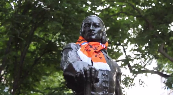 Want to know which #WorldCup country NYC statues support? Check out their scarves: http://t.co/TtODdRskue http://t.co/2aRTyqNXsH
