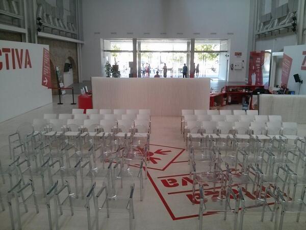 Todo preparado. Empezamos en 20 minutos en @ZGZActiva. El hashtag es #planmarketingzgz http://t.co/5xT1hANZx5