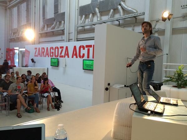 Nos habla del plan de marketing @BrunoVD de @aulaCM en el evento #planmarketingzgz en @ZGZActiva http://t.co/SYZgS4A5yB
