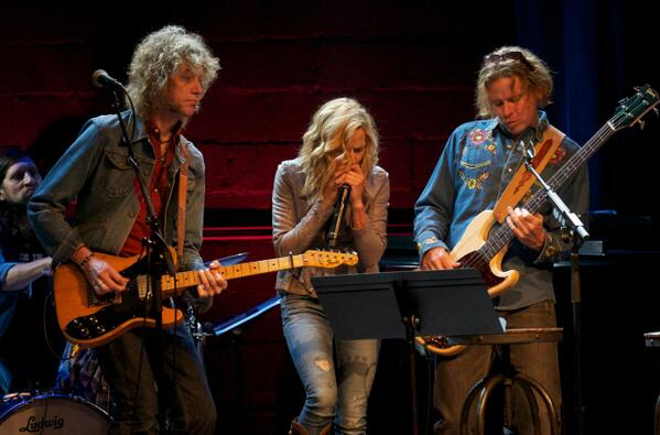 Best Of Times w @SherylCrow & band! @FranklinTheatr 2nd of 3 nights, benefit for New Hope Academy. http://t.co/m9KMQwuNVT