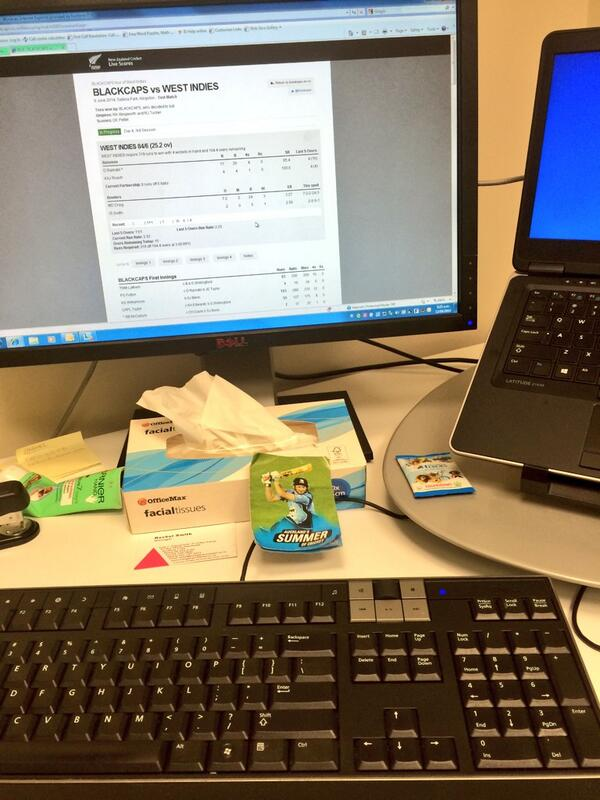 Whole lotta multi tasking happening at my desk this morning.....@BLACKCAPS #WIvNZ http://t.co/sx5oqw4NOM