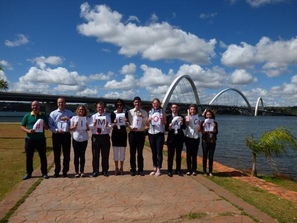 British Embassy Brasilia staff joins #TImeToAct and show its support in front of JK Bridge. http://t.co/DMx9Lhhy1s