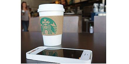 Starbucks tables let customers charge cellphones wirelessly (Photo: Duracell Powermat) http://t.co/gnYq8J6AoS http://t.co/7ROfxCN6jz
