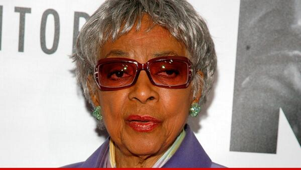 #BREAKING: Ruby Dee dies -- legendary actress & activist passes away at 89. #RIP http://t.co/YJx1HED3U0 http://t.co/rMWQhLI9k3