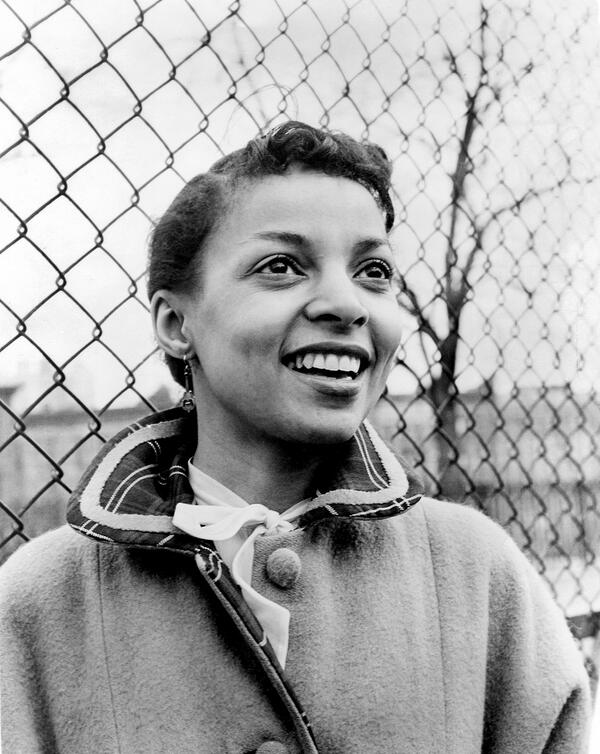 An irreplaceable loss: the legendary Oscar nominated actress and civil rights activist Ruby Dee has died at 91. RIP http://t.co/OHp4O987ZK