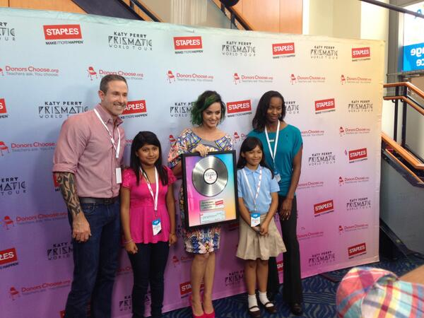 THANK YOU @katyperry and @staples for supporting #teachers and public school classrooms! #makeroarhappen http://t.co/lDyEVgNyqi