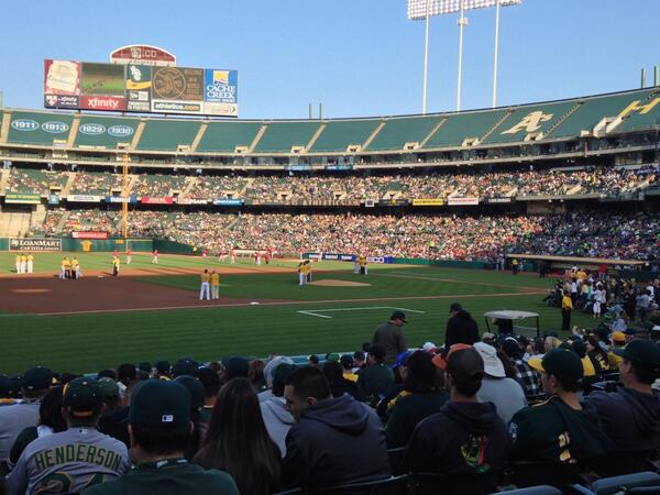 Rollie Fingers and Sean Doolittle is an awesome pairing #Athletics http://t.co/XxZj1ukrLX