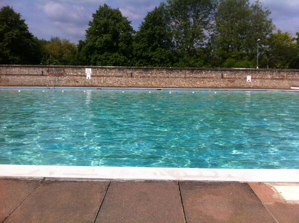 Pells Pool weekend morning opening begins today & oh my, it's fabulous http://t.co/q1NjeJtmd3
