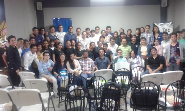 Foto oficial del evento de #netsquaredGT en #Guatemala en el #Netcamp regional de ayer http://t.co/JZOVJe6TCR