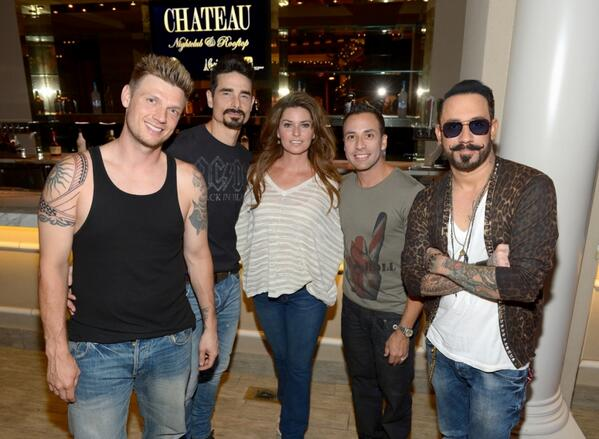 Avril lavigne chad kroeger peace justice shaniatwain you never know who you will run into in vegas great to catch up with the boys backstreetboys chateaulv m4hsunfo
