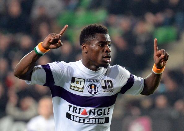 Serge Auriers agent denies Arsenal deal is done, claims Liverpool are interested [RMC]