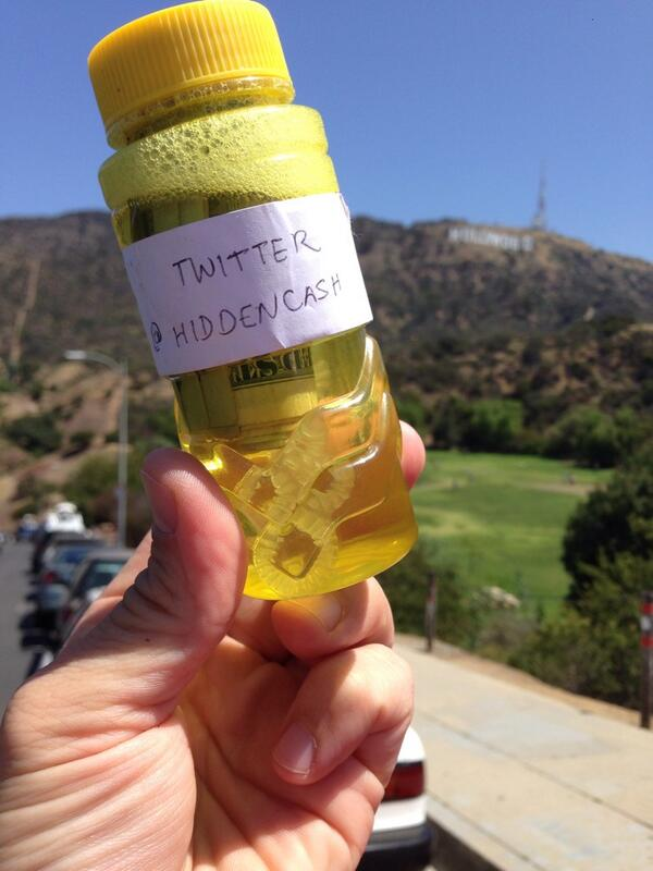 That was fun @HiddenCash thanks!!! Drinks on you today!!! #scavengerhunt with cash LOL!! http://t.co/dswjvGep7m