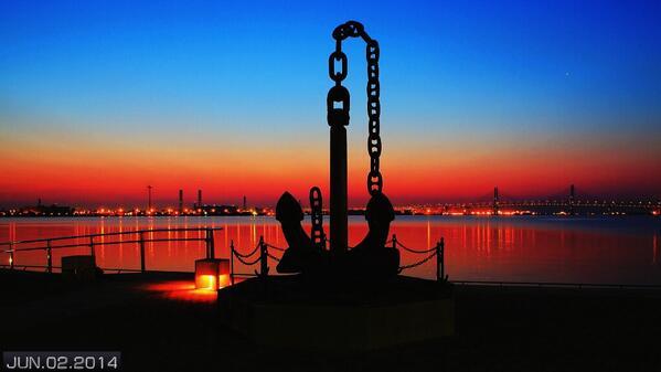 臨港パークの夜明け nav.cx/g3XX1DU pic.twitter.com/jlfqUJLBcj