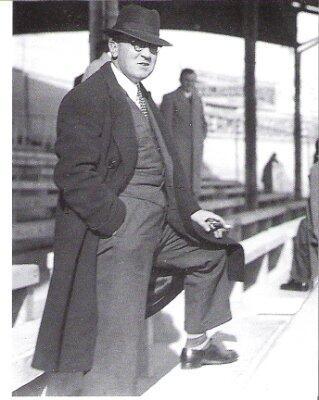 Don Santiago Bernabéu, maestro de madridismo - Página 3 BpFPdJUCMAAwW-a