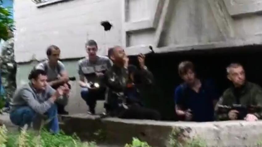 Жителей Луганска просят не поддаваться панике и не выходить из дома без крайней необходимости - Цензор.НЕТ 3030