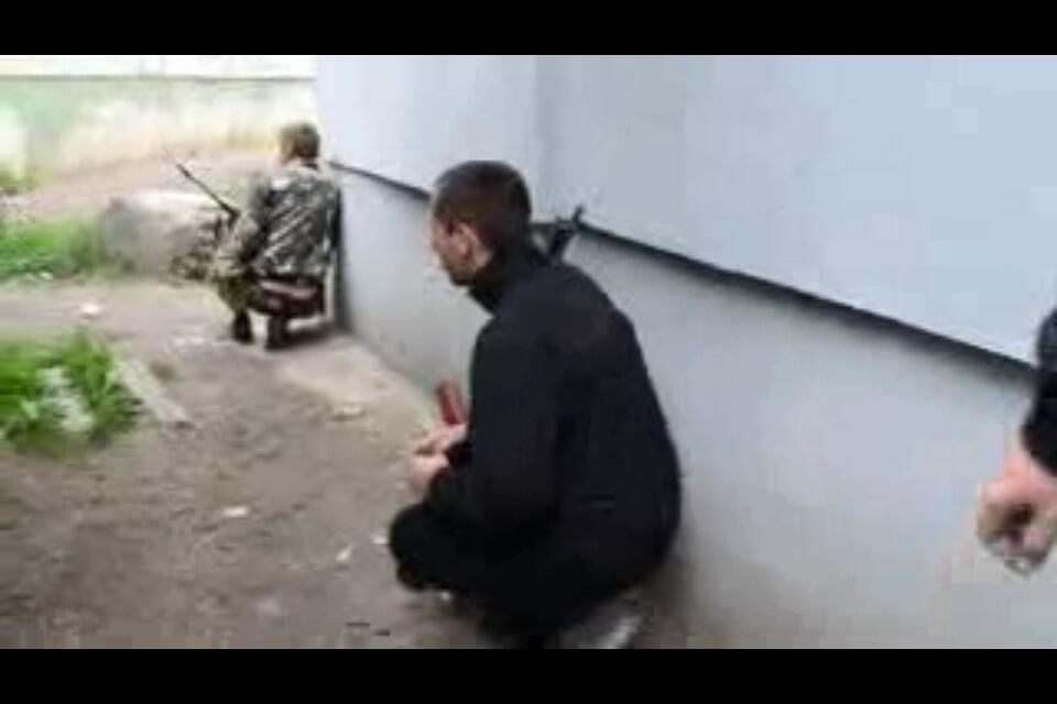 Жителей Луганска просят не поддаваться панике и не выходить из дома без крайней необходимости - Цензор.НЕТ 7488