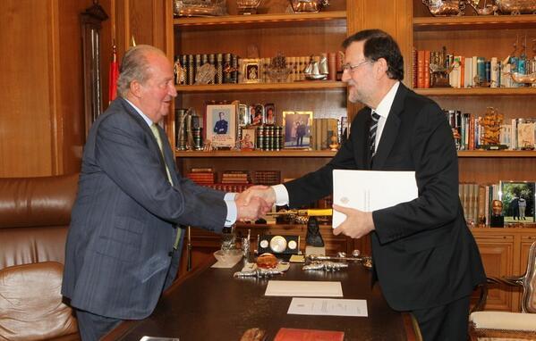 Juan Carlos y Sofía - Página 3 BpHLlazIMAAawgL