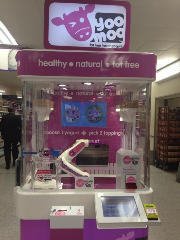Yummy frozen yogurt, served by a robot. Presenting the UK's 1st fro-yo robot in @tesco covent garden. #yoomoo http://t.co/Cp1gVLoTJ2