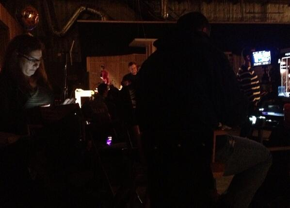 """6x23 """"FOR BETTER OR FOR WORSE"""" post-ep BTS pics & tweets  - Page 2 BpIkR8wIQAACD7b"""