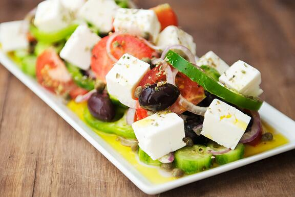 [post] it's so easy, yet so good - the classic greek salad: http://t.co/63EKWWovvR http://t.co/LAHJ0GNnBl