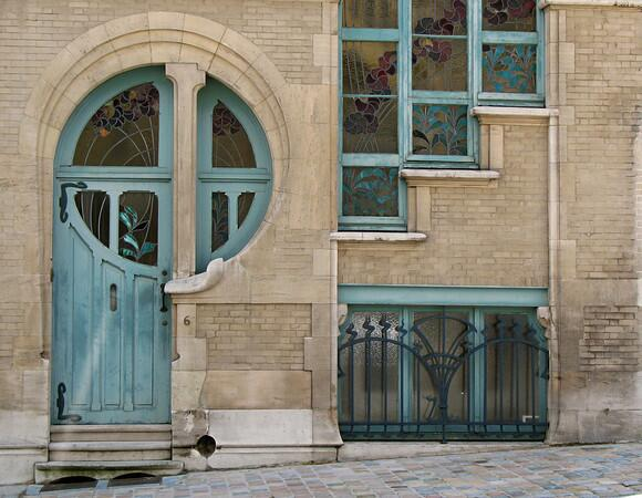 An Art Nouveau style door from Brussels,6 Rue du Lac http://t.co/pjNTmieH11