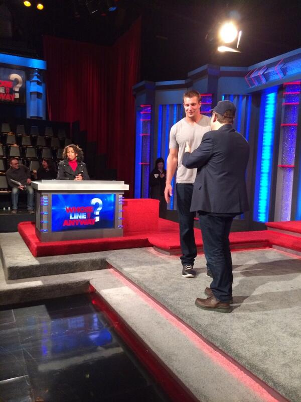Haven't tweeted for about a year but I'm hyped up to see @RobGronkowski on Whose Line is it Anyways at 8pm tonight. http://t.co/AzuFLHDITn