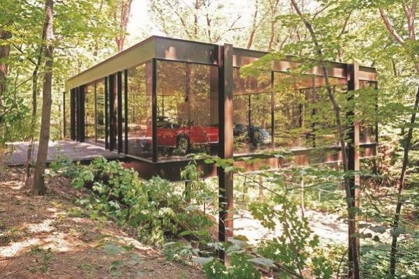 """Someone finally bought the """"Ferris Bueller"""" house: http://t.co/vq3y3WTivl http://t.co/4m4SvmyC5Q"""