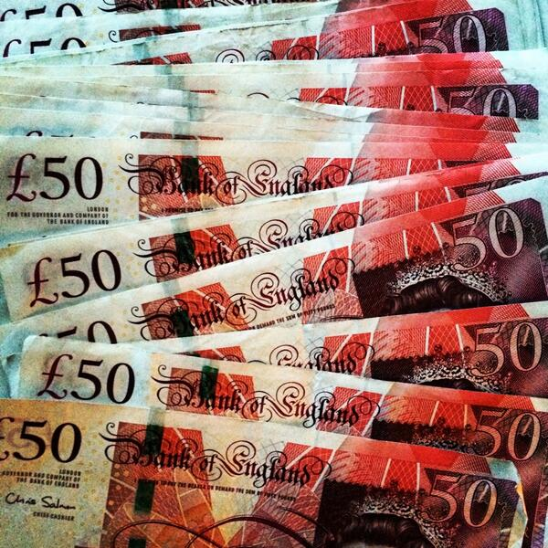 I'll be hiding more cash today after I get 200 retweets. #hiddencash #Leeds #Yorkshire http://t.co/GfZ5i3iYWp