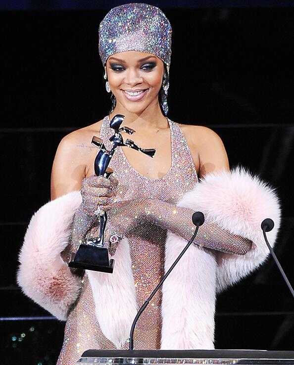 Rihanna Receives Fashion Icon Award In Barely There Swarovski Crystal Dress At The Cfda Fashion Awards This Is Moscato Life