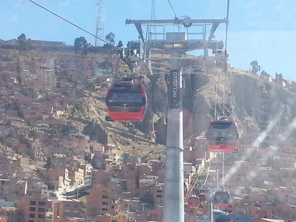 Cual paro ni que paro. Llegada a El Alto exitosa en @miteleferico http://t.co/jpxe88Bvu2